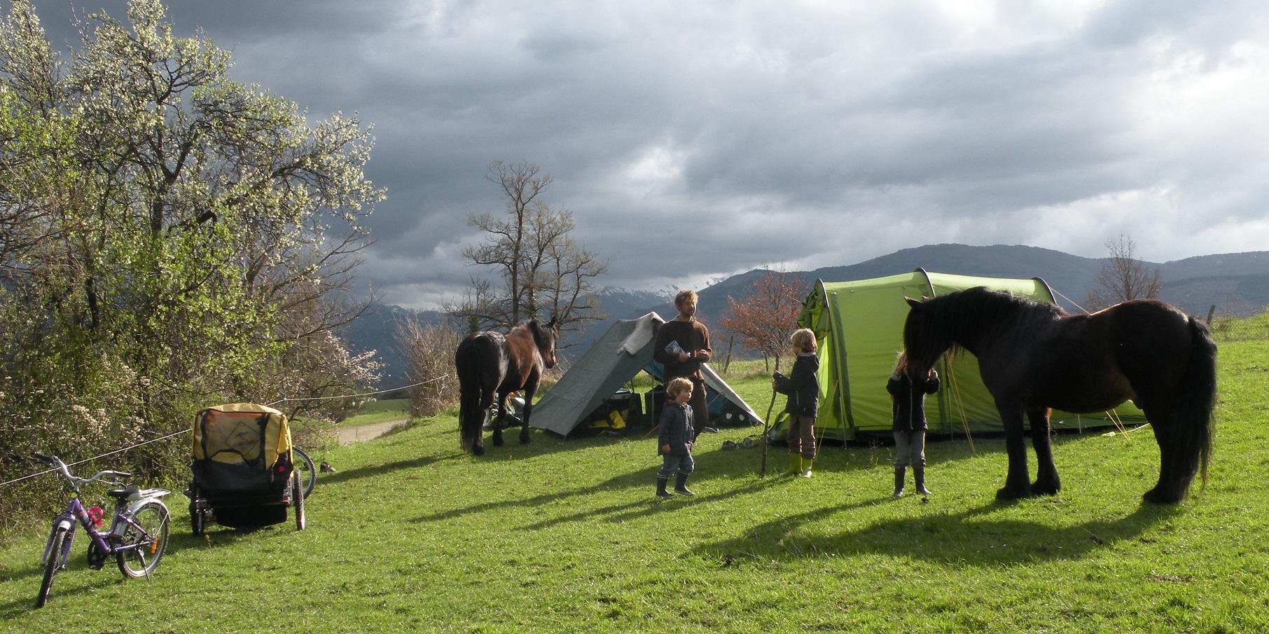 Voyage en famille à vélo et cheval