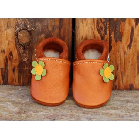 chaussons fleur noisette/vert pomme