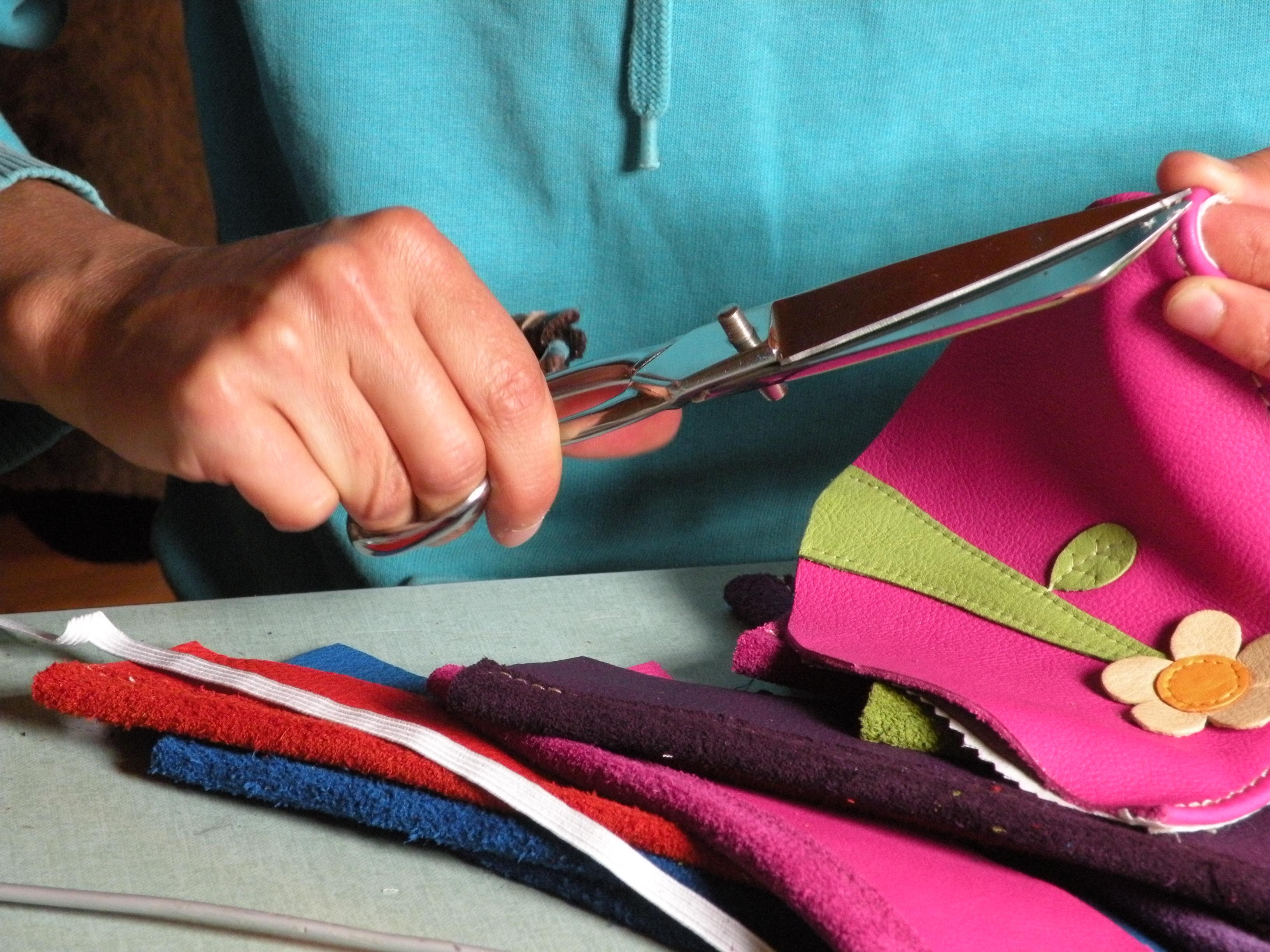 Fabrication artisanale française de chaussons en cuir